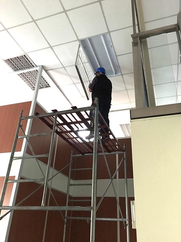 倉儲LED燈具安裝工程