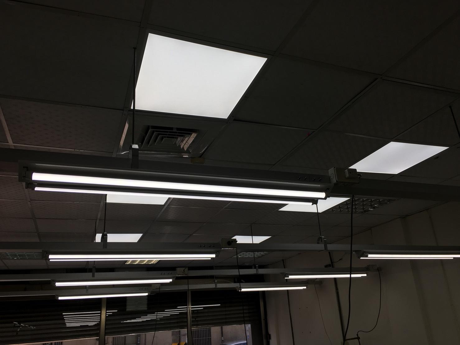 成衣廠改裝LED平板燈